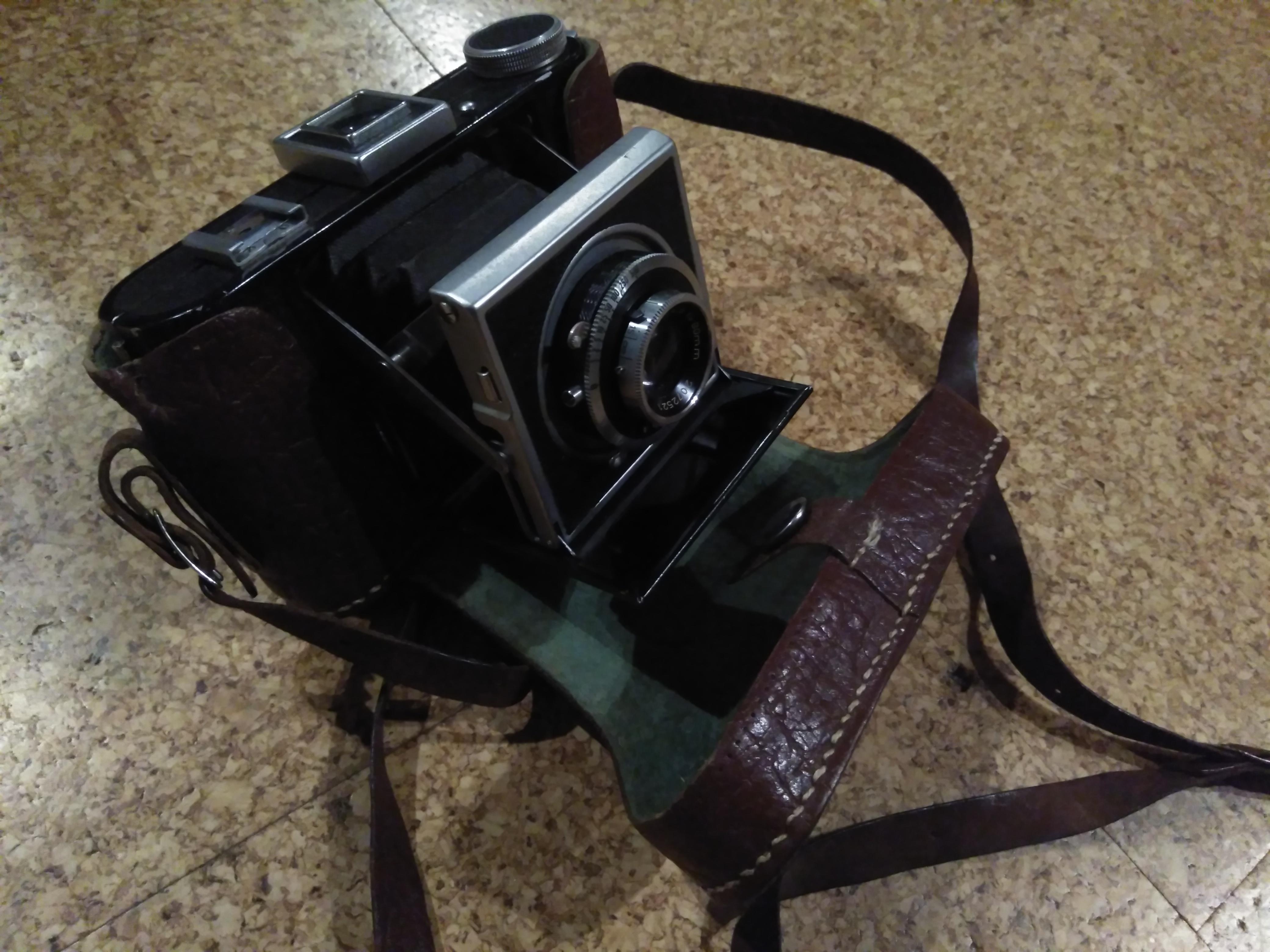 Měchový fotoaparát Compur Rapid, vč. pouzdra