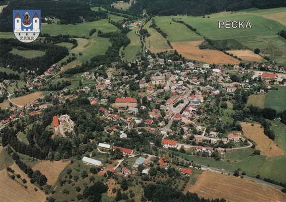 Pohlednice, Pecka, letecký pohled, 2001